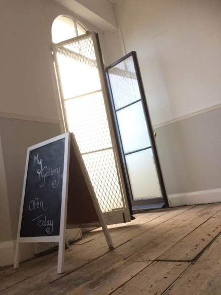 gallery-open